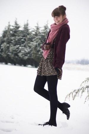 black modcloth dress - crimson thrifted cardigan - black modcloth heels
