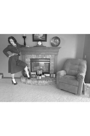 white ruffled socks - forest green vintage HHR dress - black cincher Rue 21 belt