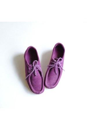 magenta vintage shoes