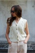 off white Vintaholic vest