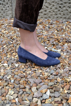 navy Laura Asley heels