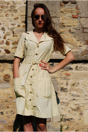 beige Vintaholic dress