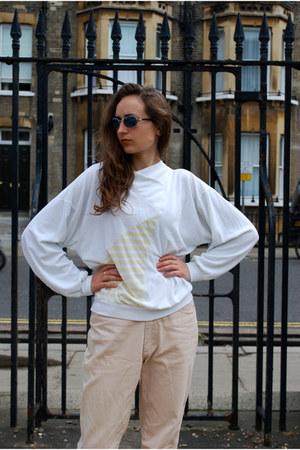white Vintaholic jumper
