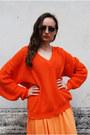 Orange-vintaholic-cardigan-blue-vintaholic-sunglasses
