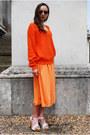 Blue-vintaholic-sunglasses-light-orange-vintaholic-skirt