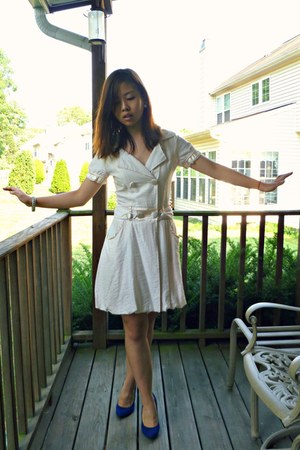 neutral From China dress - blue pumps