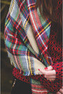 Brick-red-checkered-lesara-scarf-crimson-poloneck-violin-top
