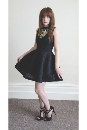 black Ebay dress - gold new look necklace