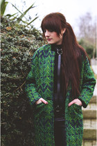 green sammydress coat - black sammydress accessories