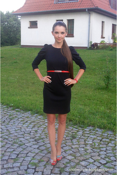 Black Fruttidimoda Dresses Red Camaieu Belts Silver Jubileo Rings