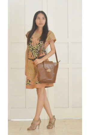batik keris dress - Charles & Keith heels