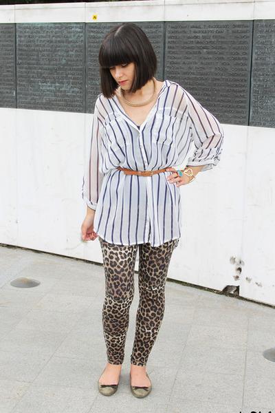 27e525ca1e3af3 light brown new look leggings - gold Zara flats - white Bershka blouse