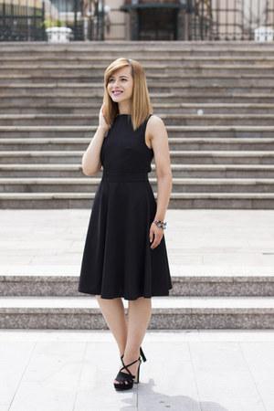 black twiggy shop dress - black Zara sandals