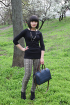 black Zara top - teal Parfois bag - tan Stradivarius pants