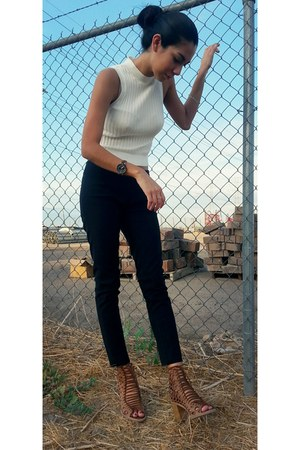ivory Lieth top - black crop Amanda and Chelsea pants
