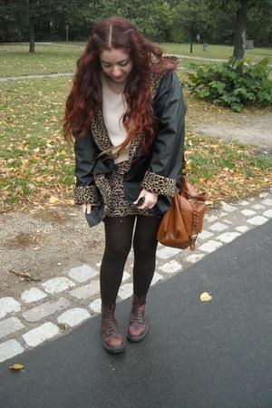 leopard vintage coat - Dr Martens boots - leopard H&M shirt