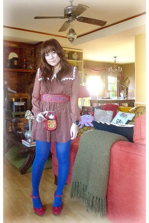 red maryjanes wedges - dress - russian doll bag - belt - blue HUE stockings