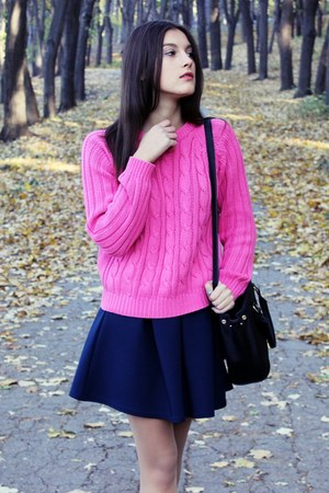 knitted Boohoo sweater - Bershka boots - odji bag - Boohoo skirt