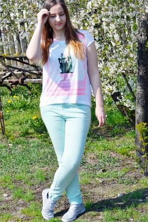 white Stradivarius t-shirt - aquamarine Bershka pants - silver H&M sneakers