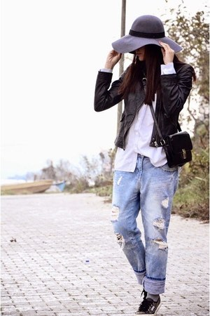 H&M hat - Zara jeans - Superga sneakers