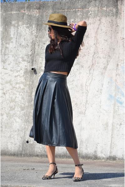 vintage skirt - Batik hat - Zara heels - vintage top