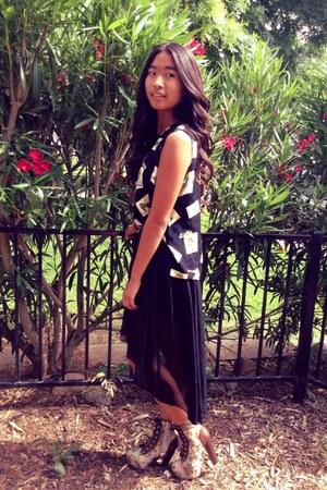 black hi-low skirt - peach boots - black blouse