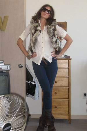 ivory Express blouse - JBrand leggings - Dolce Vita boots - Rabbit Fur vest