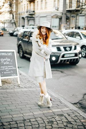 off white Topshop coat