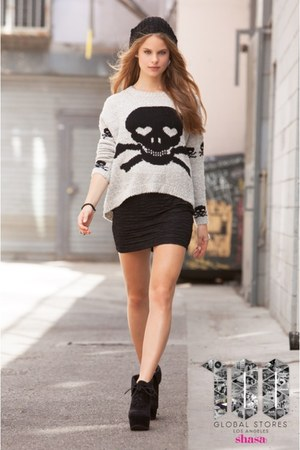Shasa sweater - Shasa skirt - Shasa wedges