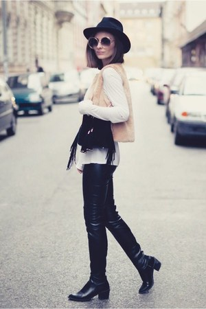 neutral faux fur vest - black otk Zara boots - black Primark bag