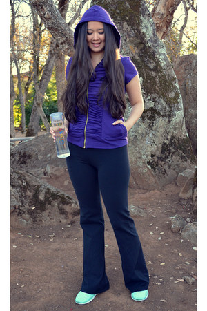 purple purple DDCC top - dark gray yoga pants Lululemon pants