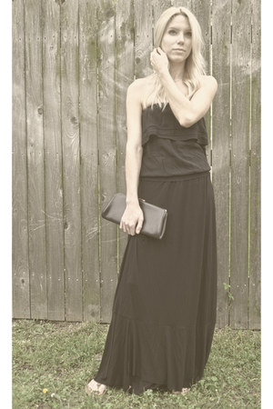 black clutch vintage bag - black maxi skirt skirt - black strapless top top