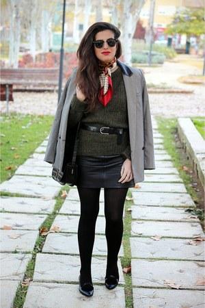 Zara belt - Pilar Burgos shoes - Mango blazer - vintage scarf - Zara jumper