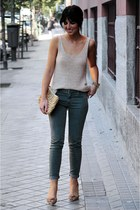Zara pants - Oysho bag - H&M top - Zara heels