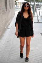 pull&bear shorts - pull&bear sneakers - Zara top