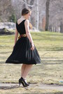 Black-wallflower-vintage-dress-dark-brown-thrifted-vintage-belt-black-victor