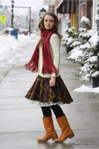 beige Wallflower Vintage sweater - dark brown Wallflower Vintage skirt - crimson
