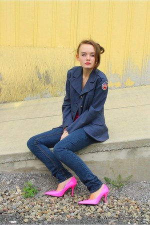 navy WallflowerVintagecom jacket - navy Levis jeans - bubble gum OWN heels