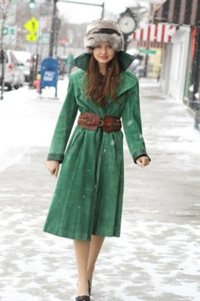 silver Wallflower Vintage hat - dark green Wallflower Vintage coat
