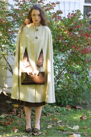 beige Wallflower Vintage coat - dark brown coach shoes