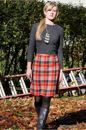 gray Wallflower Vintage sweater - brick red Wallflower Vintage skirt - silver vi
