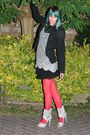 Red-thrifted-tights-silver-primark-shoes-silver-didi-dress-black-new-look-