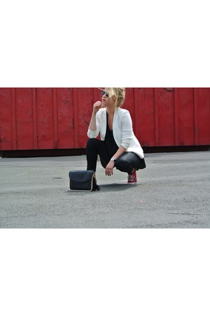 white blazer Zara blazer - black skinny H&M jeans - black top Mango top