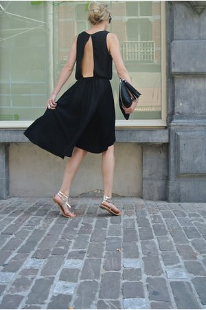 black bag H&M bag - lbd les petites dress - silver sandals Zara sandals