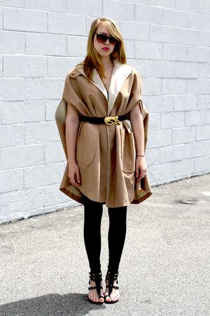 beige Vintage from We Move Vintage coat - gold Vintage from We Move Vintage belt