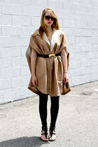 beige Vintage from We Move Vintage coat - gold Vintage from We Move Vintage belt