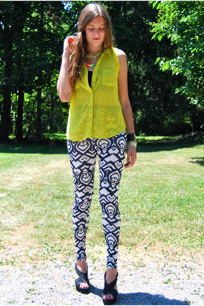 white leggings - lime green top - turquoise blue necklace - chartreuse necklace