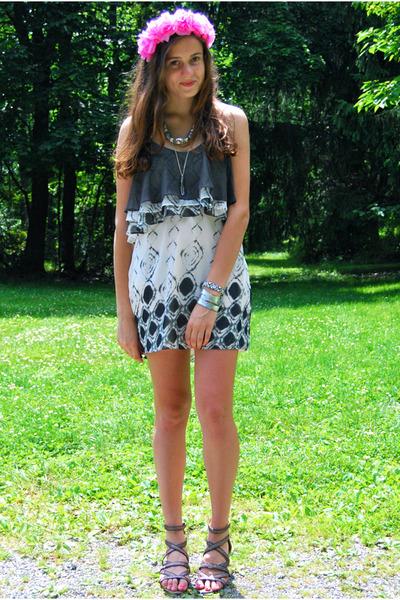 silver bullet Adriana Soto necklace - heather gray Sugar Lips dress