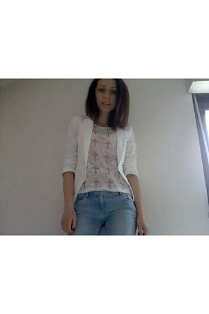 white blazer - jeans