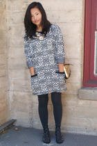 Pierre Cardin dress - thrifted purse - Nine West shoes